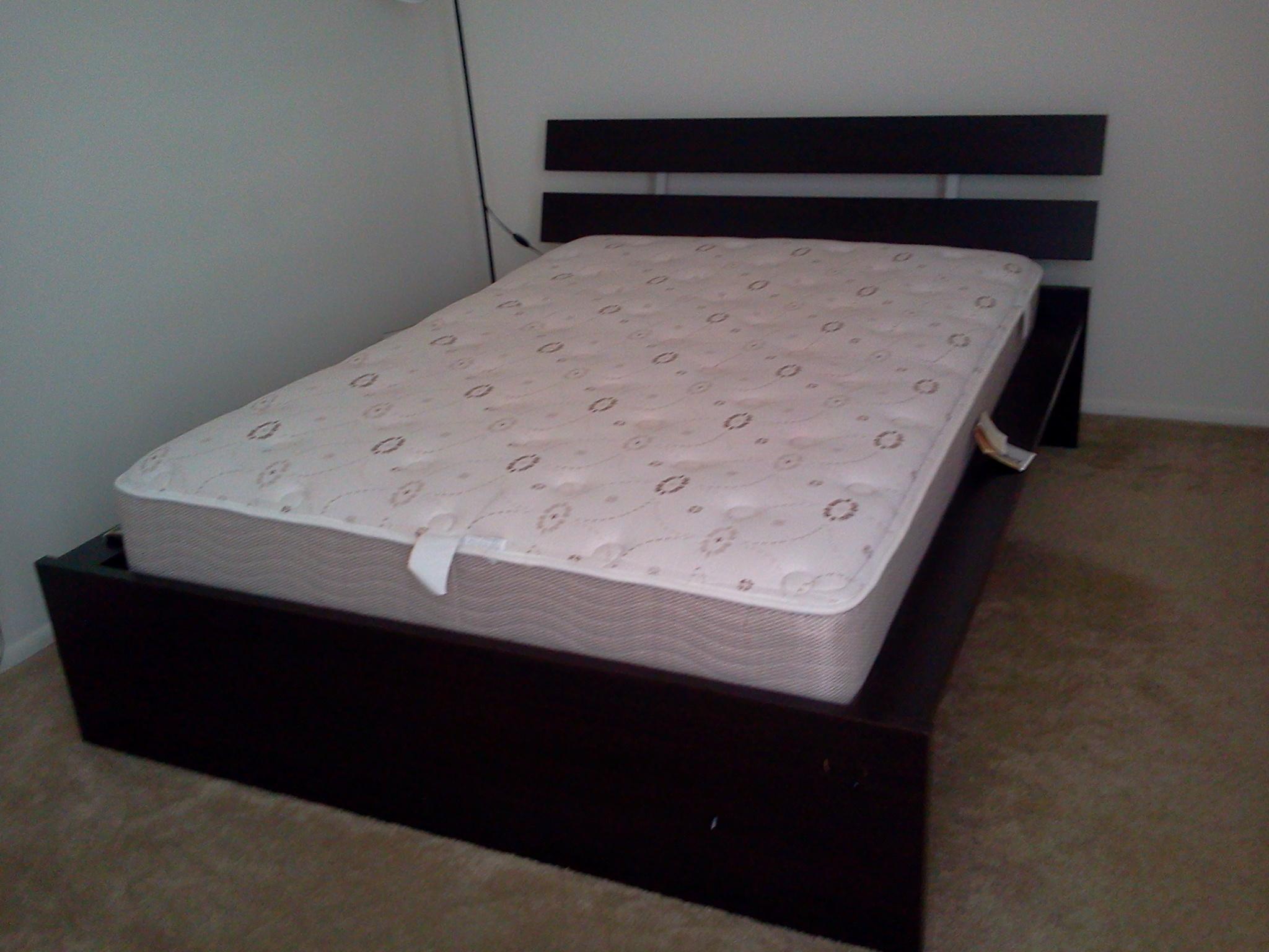 Ikea bed with sleepys mattress pragathi for Rollaway bed ikea