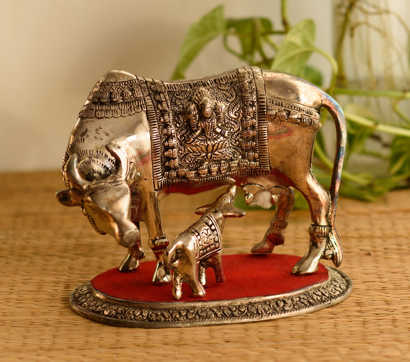 White Metal Decorative Cow with Calf statue Indian Home Decor