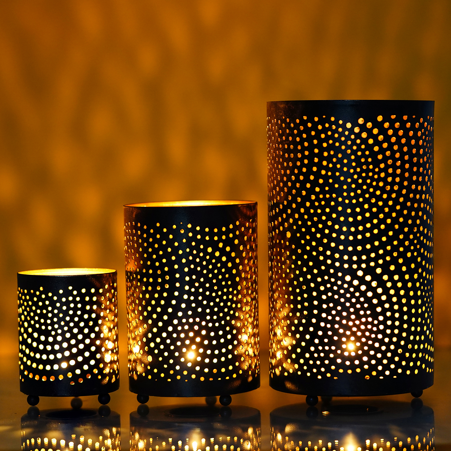 Set of 3 Decorative Mesh Design Iron Tea Light Holder in Cylindrical shape Indian Home Decor