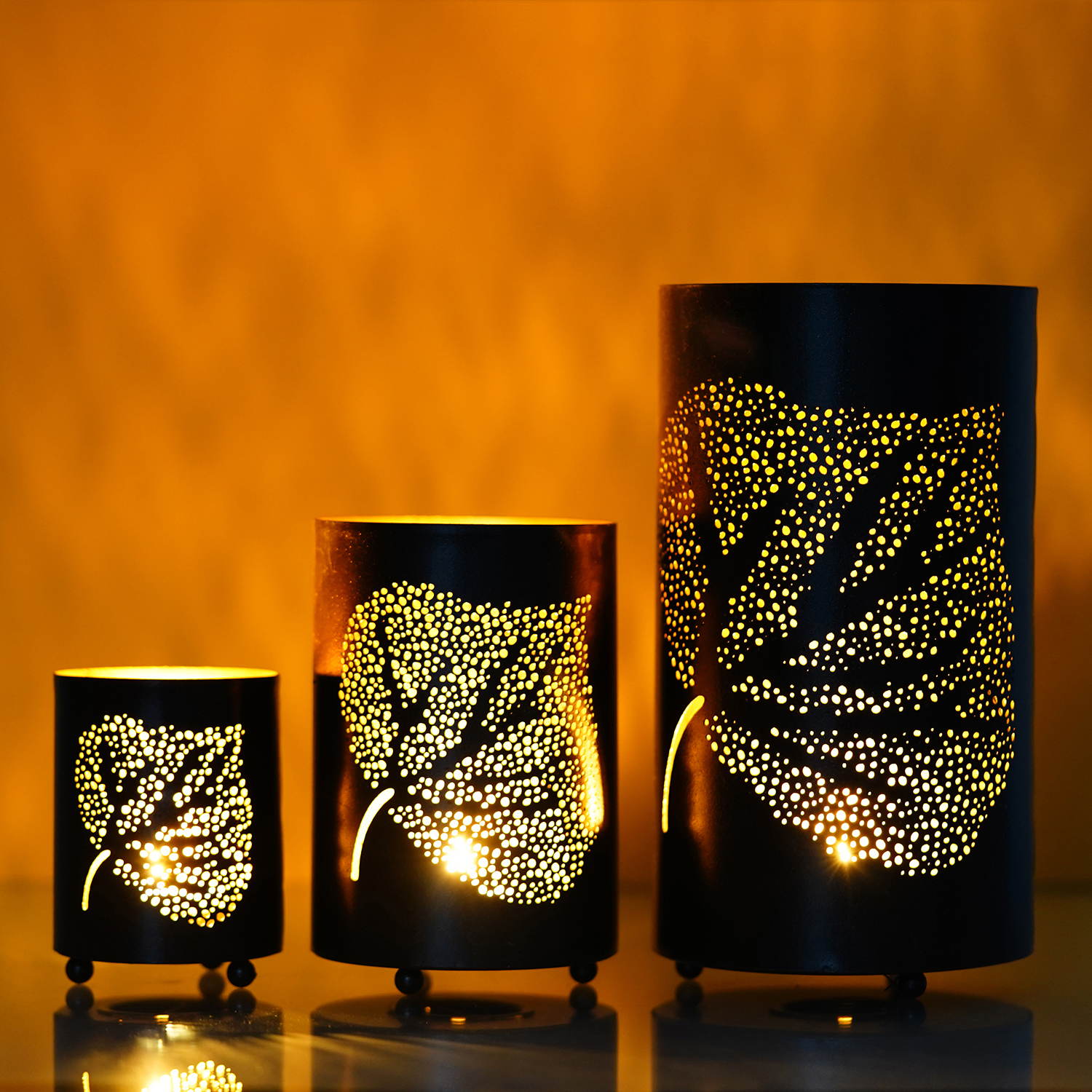 Set of 3 Decorative Mesh Design er Leafs Iron Tea Light Holder in Cylindrical shape Indian Home Decor