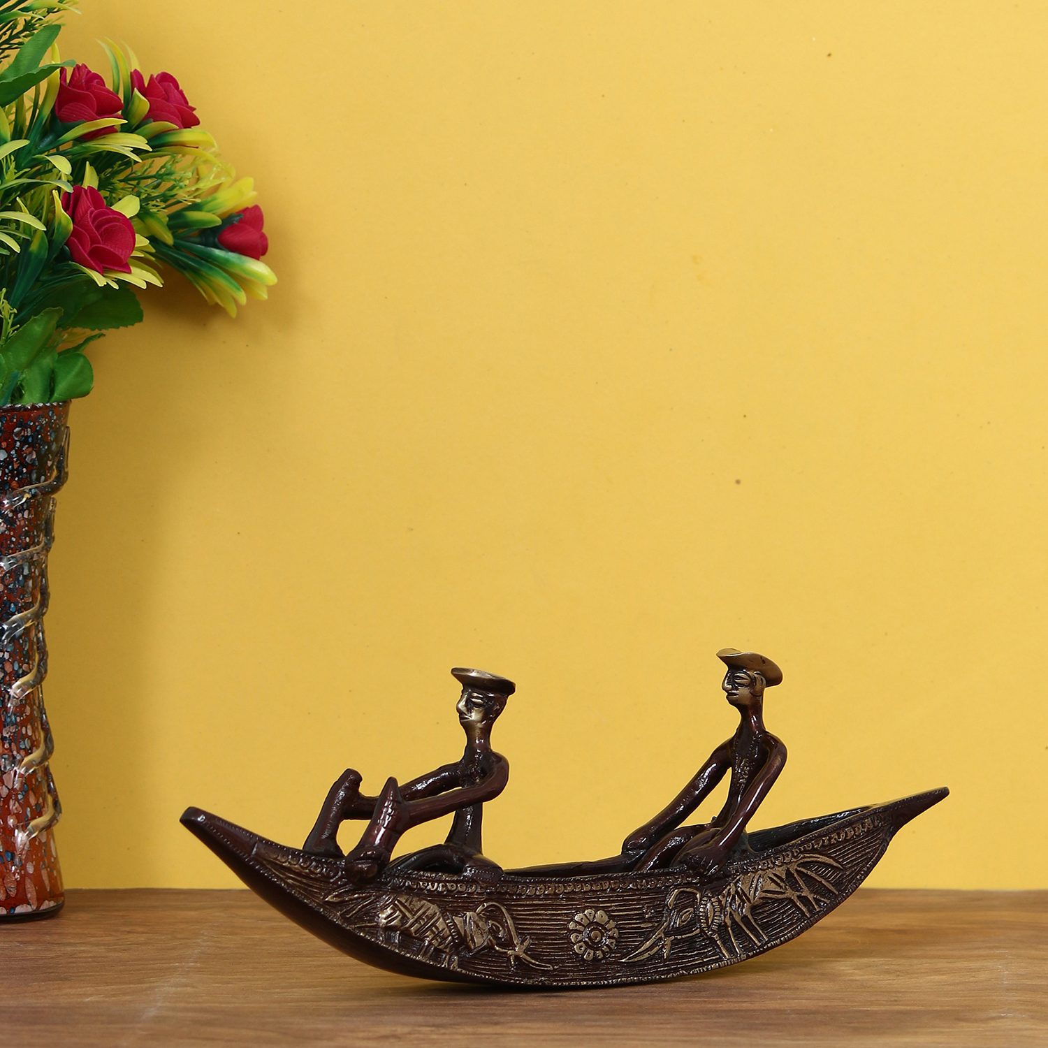 Antique Finish 2 Men in Boat Brass Decorative Showpiece Indian Home Decor