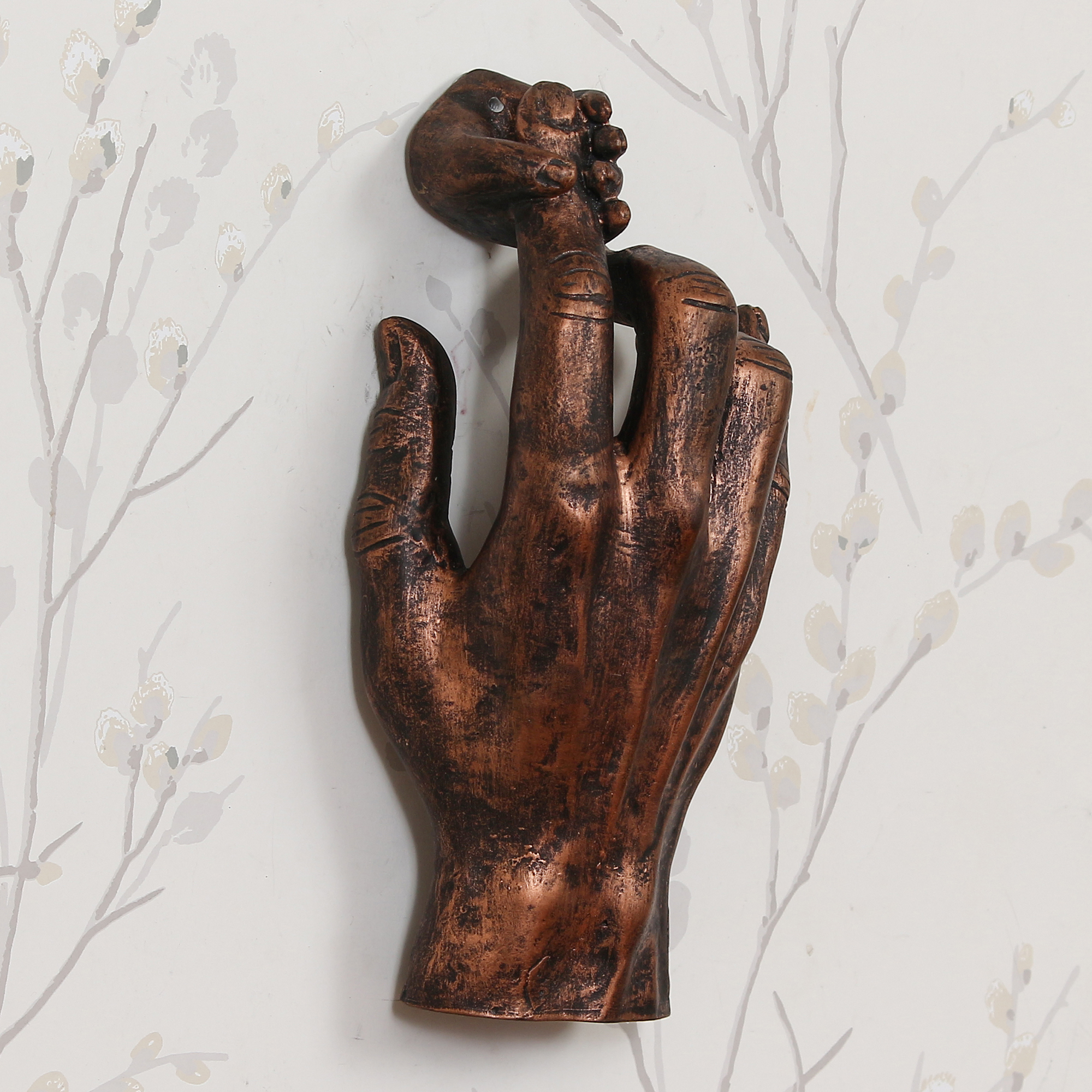 Kid Hand Holding Parents Fingure Decorative Wall Hanging Figurine Indian Home Decor