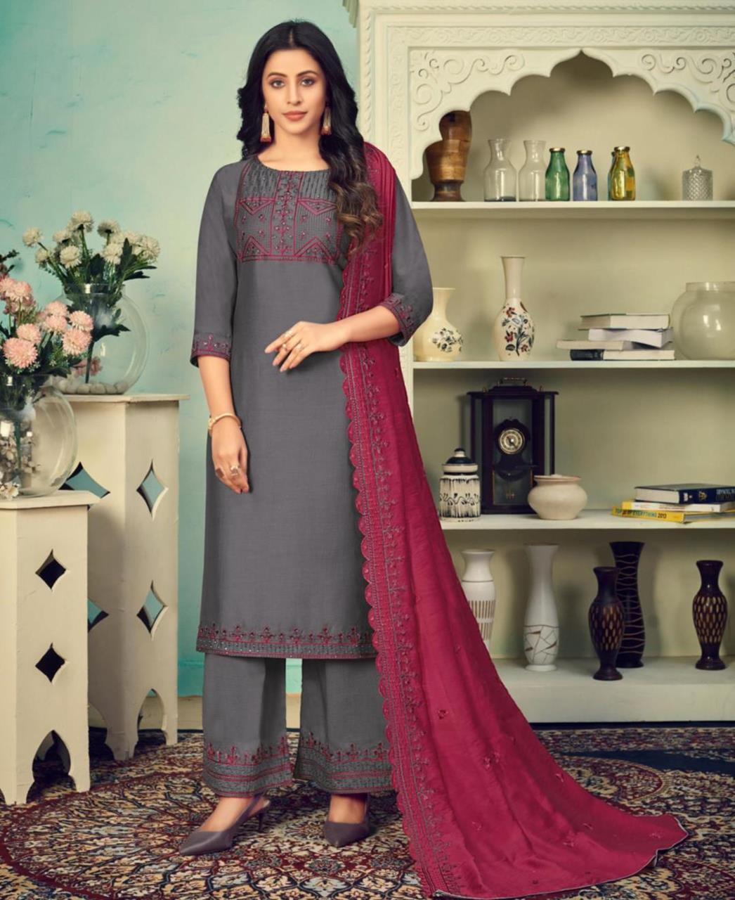 Thread Cotton Straight cut Salwar Kameez in Grey