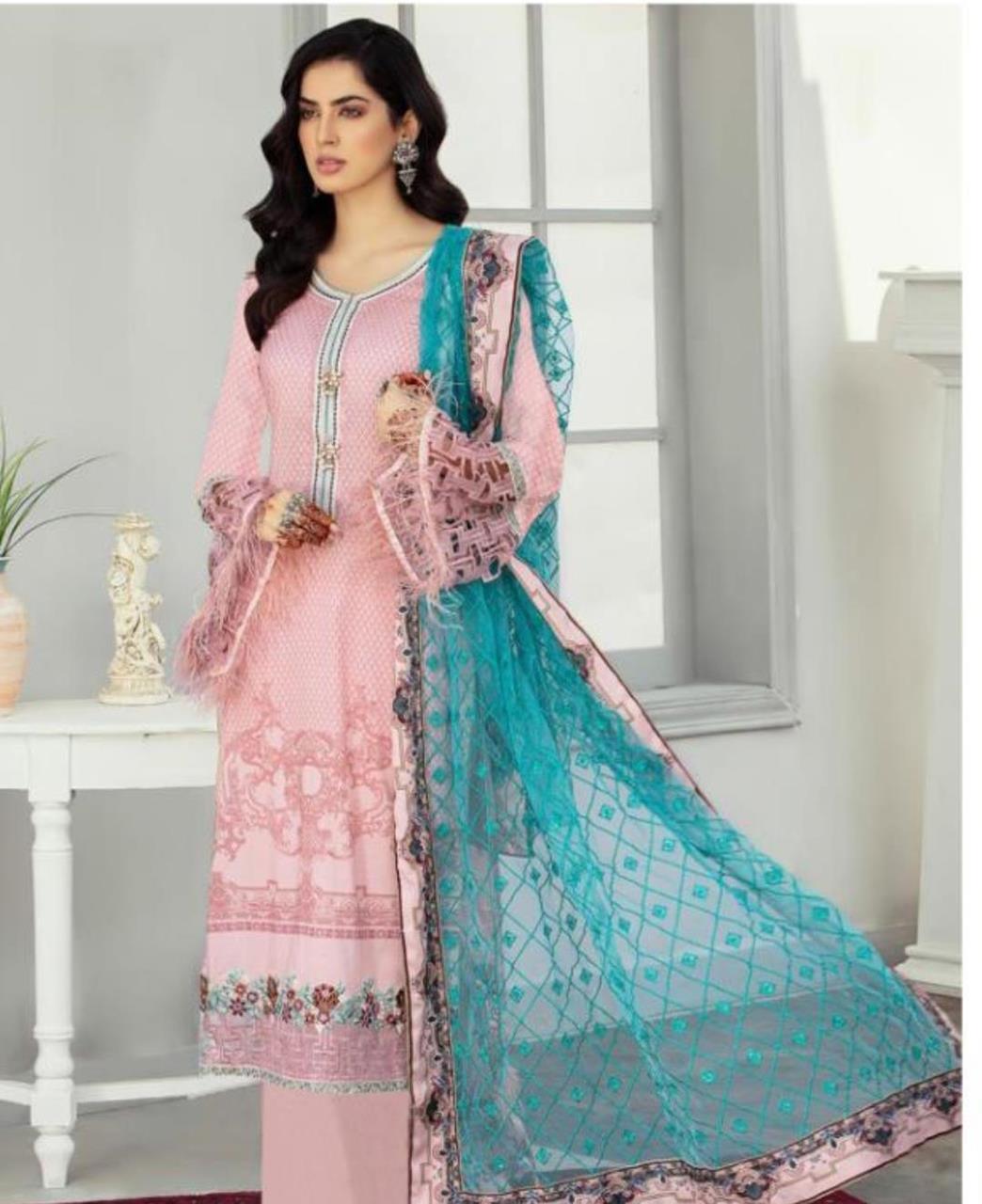 Printed Cotton Straight cut Salwar Kameez in Light Pink