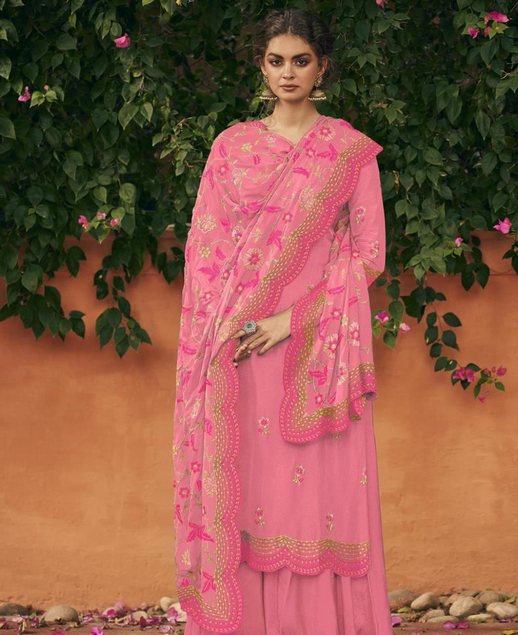 Thread Silk Straight cut Salwar Kameez in Pink