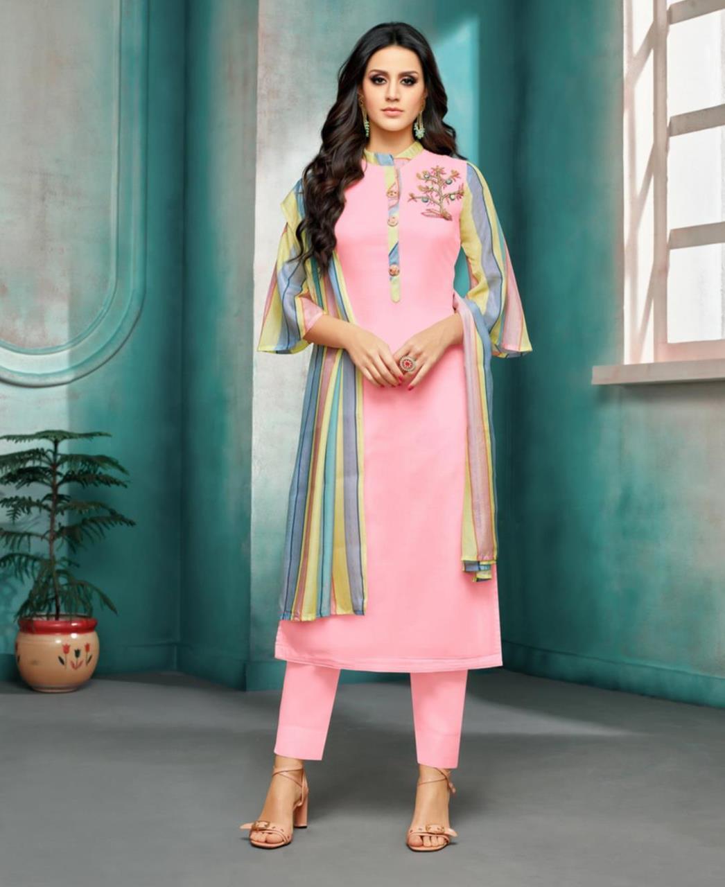 Printed Silk Straight cut Salwar Kameez in Light Pink