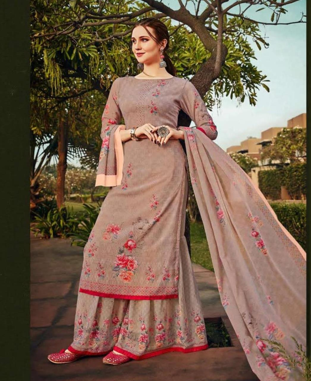 Stone Work Georgette Straight cut Salwar Kameez in Mauve