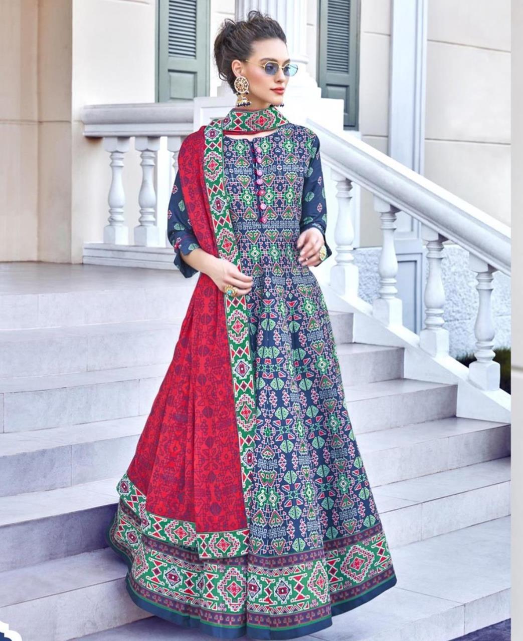 Printed Cotton Straight cut Salwar Kameez in Blue  ,  Red