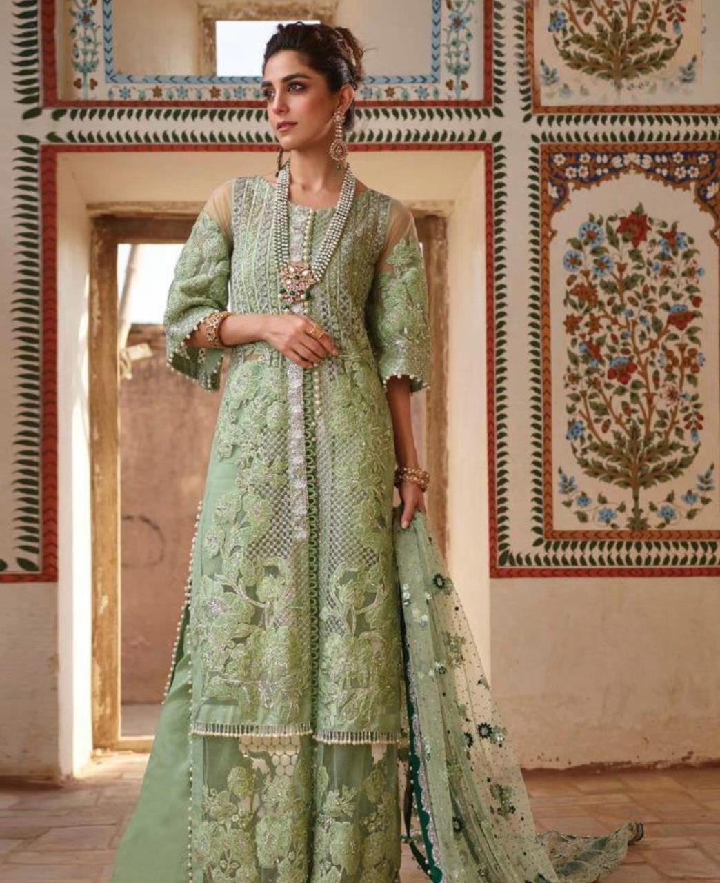 Embroidered Net Straight cut Salwar Kameez in Green