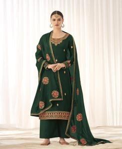 Embroidered Georgette Straight cut Salwar Kameez in Green