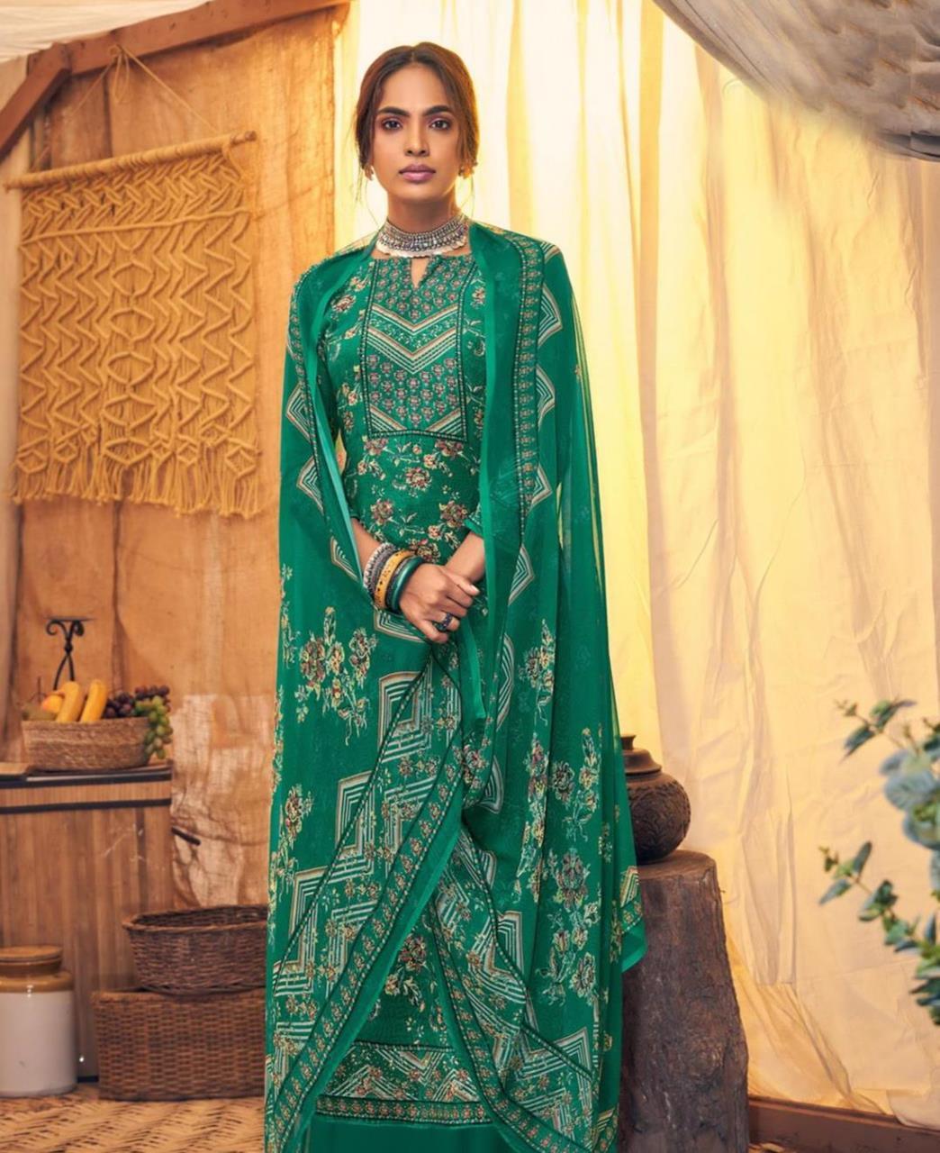 Printed Velvet Straight cut Salwar Kameez in Green