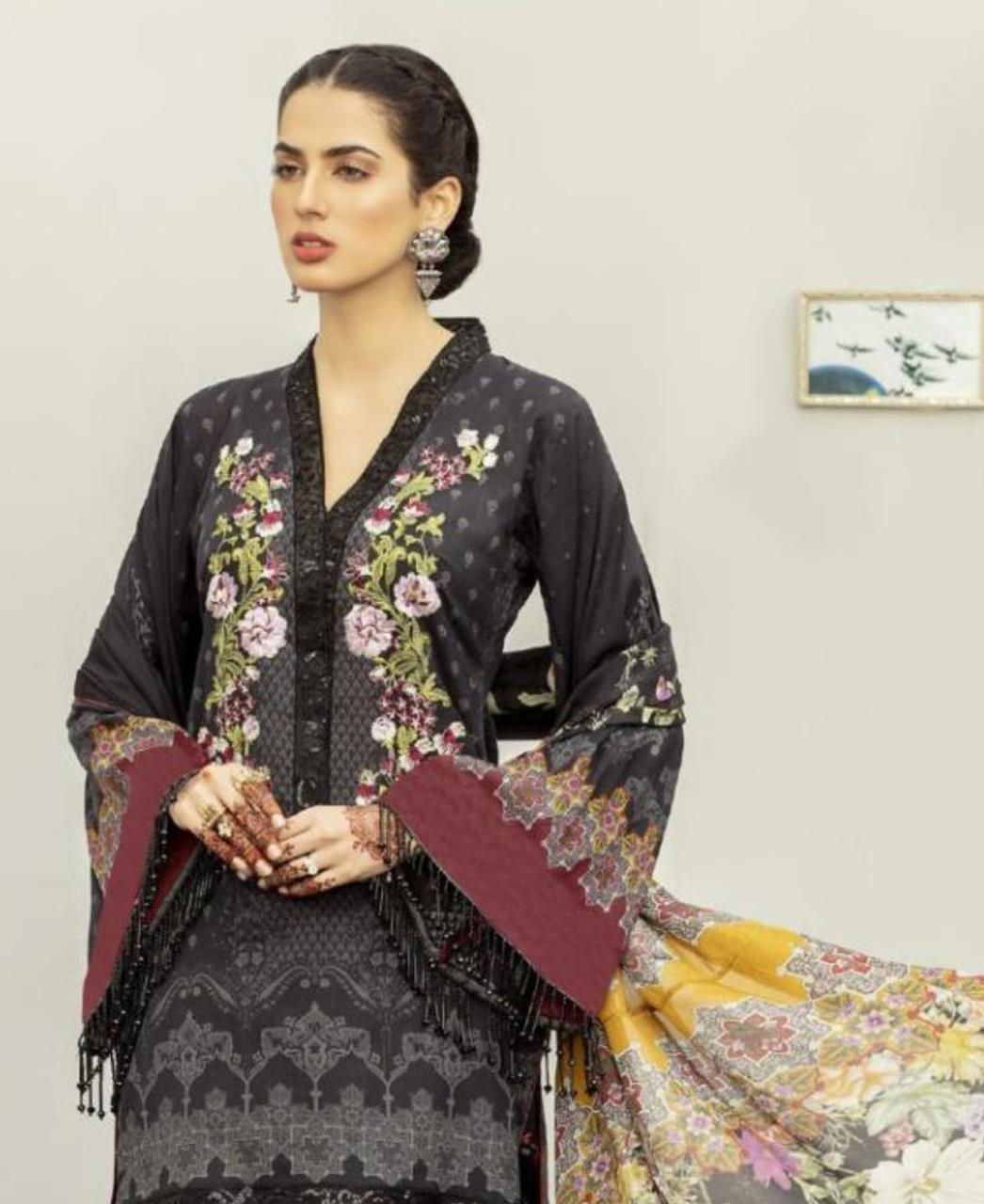 Printed Cotton Straight cut Salwar Kameez in Black