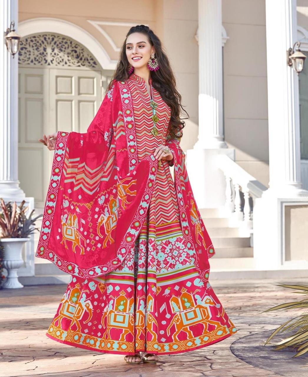 Printed Cotton Straight cut Salwar Kameez in Pink