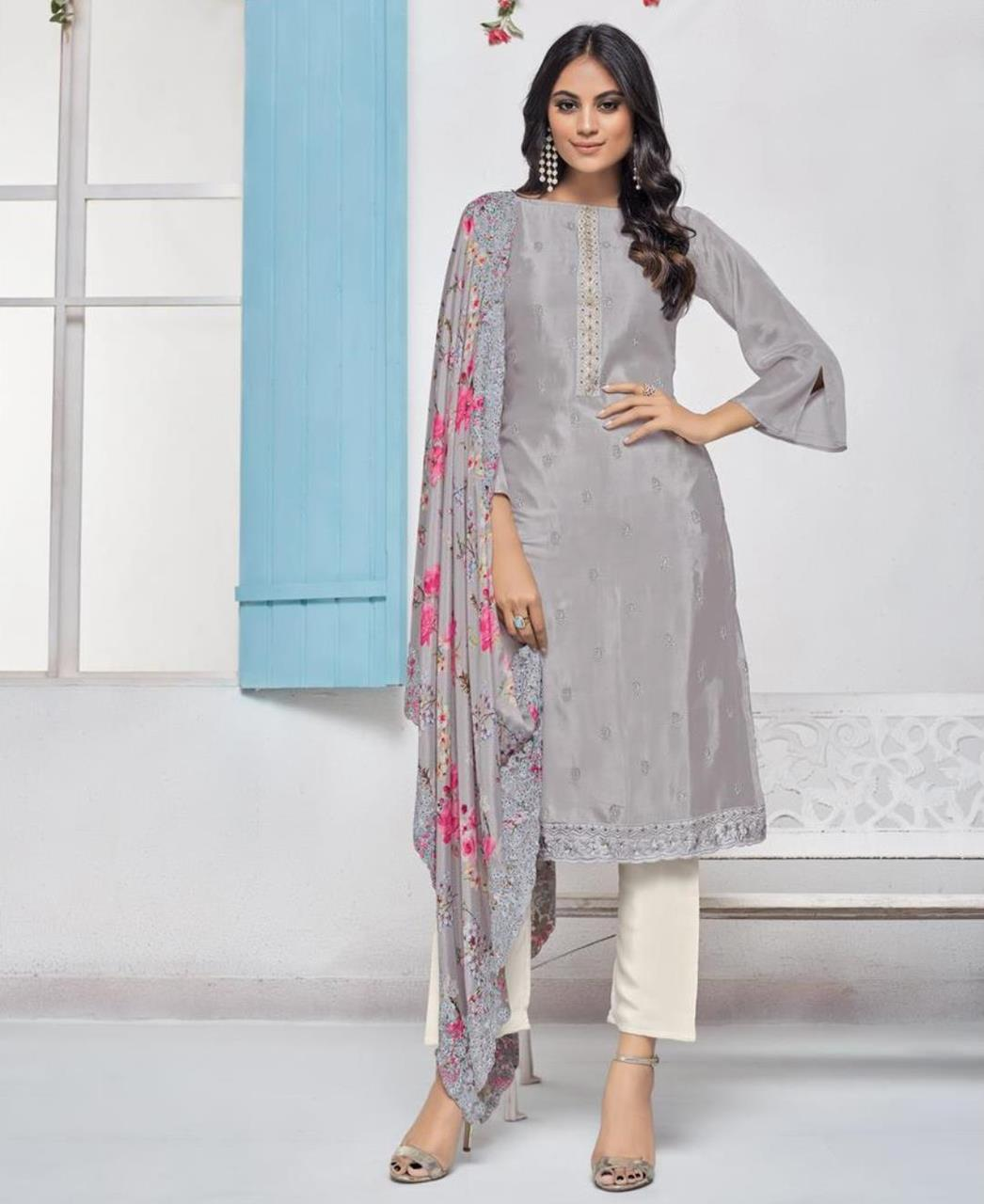 Printed Crepe Straight cut Salwar Kameez in Grey
