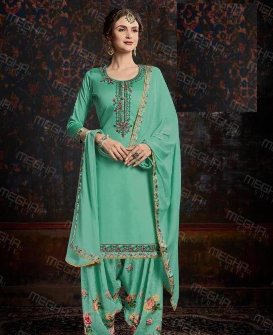 Thread Cotton Straight cut Salwar Kameez in Sea Green
