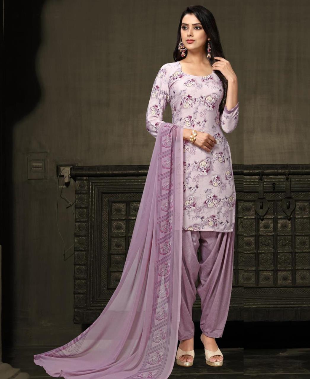 Printed Georgette Straight cut Salwar Kameez in Light Purple