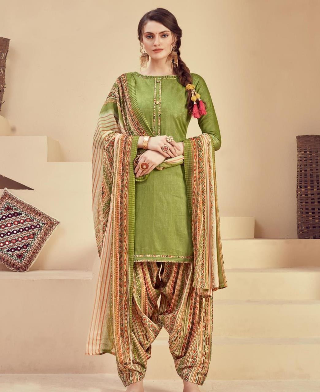 Printed Cotton Patiyala Suit Salwar in Green