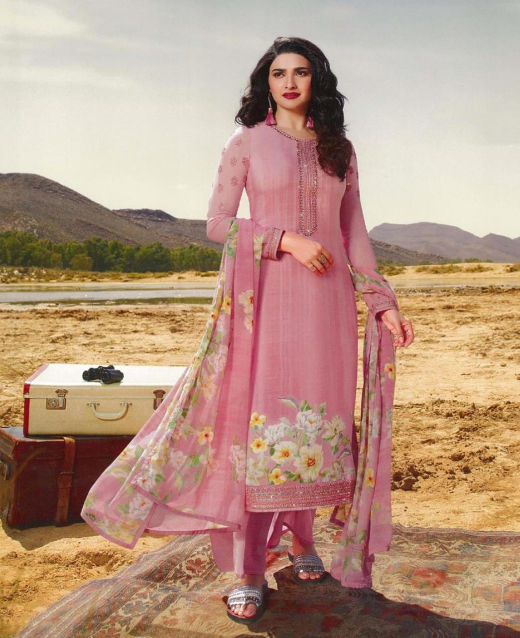 Resham Crepe Straight cut Salwar Kameez in Pink
