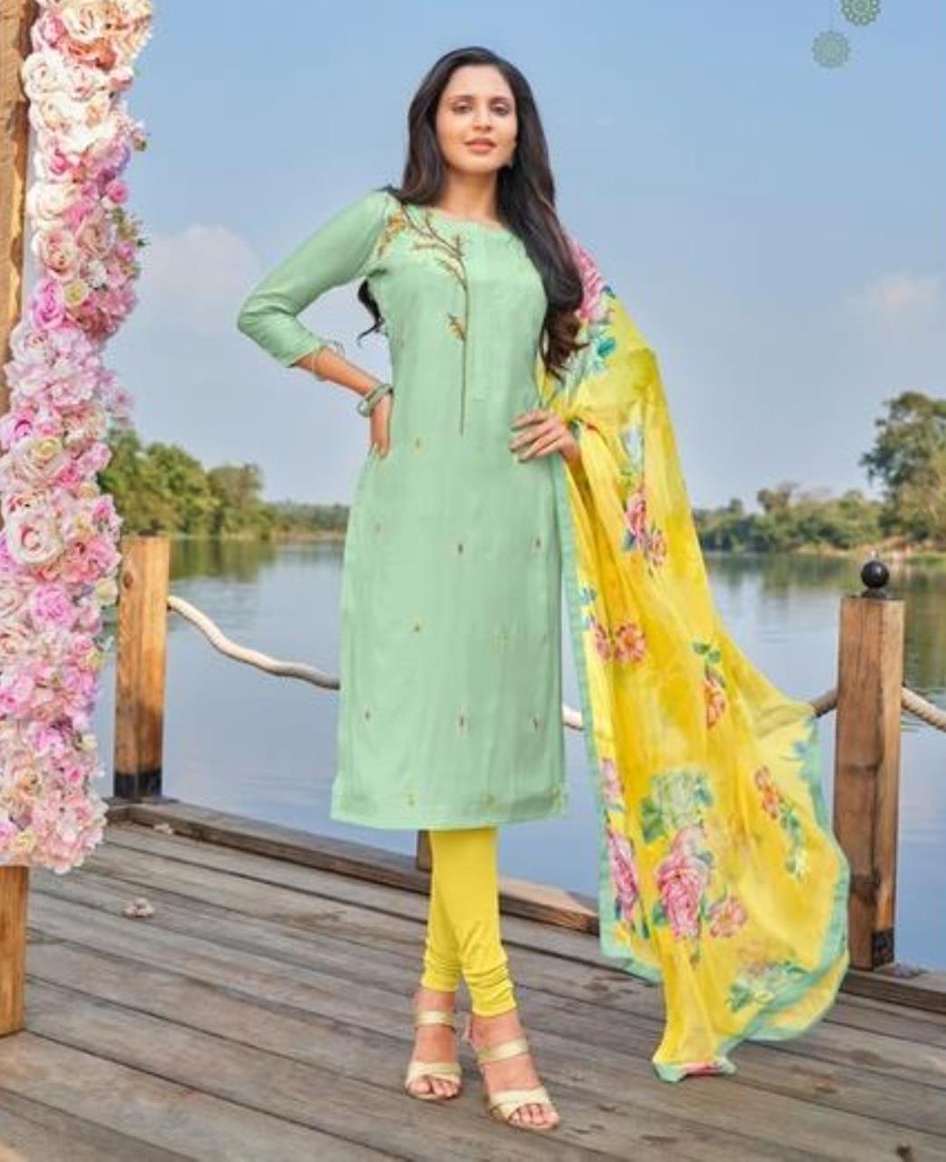 Cotton Straight cut Salwar Kameez in Green