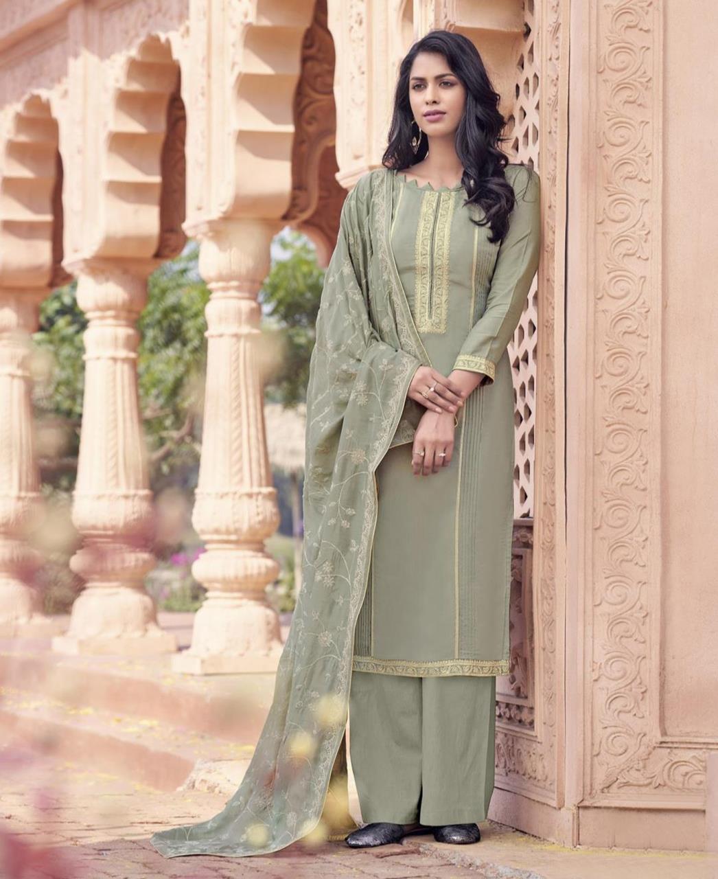 Zari Cotton Straight cut Salwar Kameez in Grey