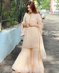 Embroidered Georgette Straight cut Salwar Kameez in Peach/Cream
