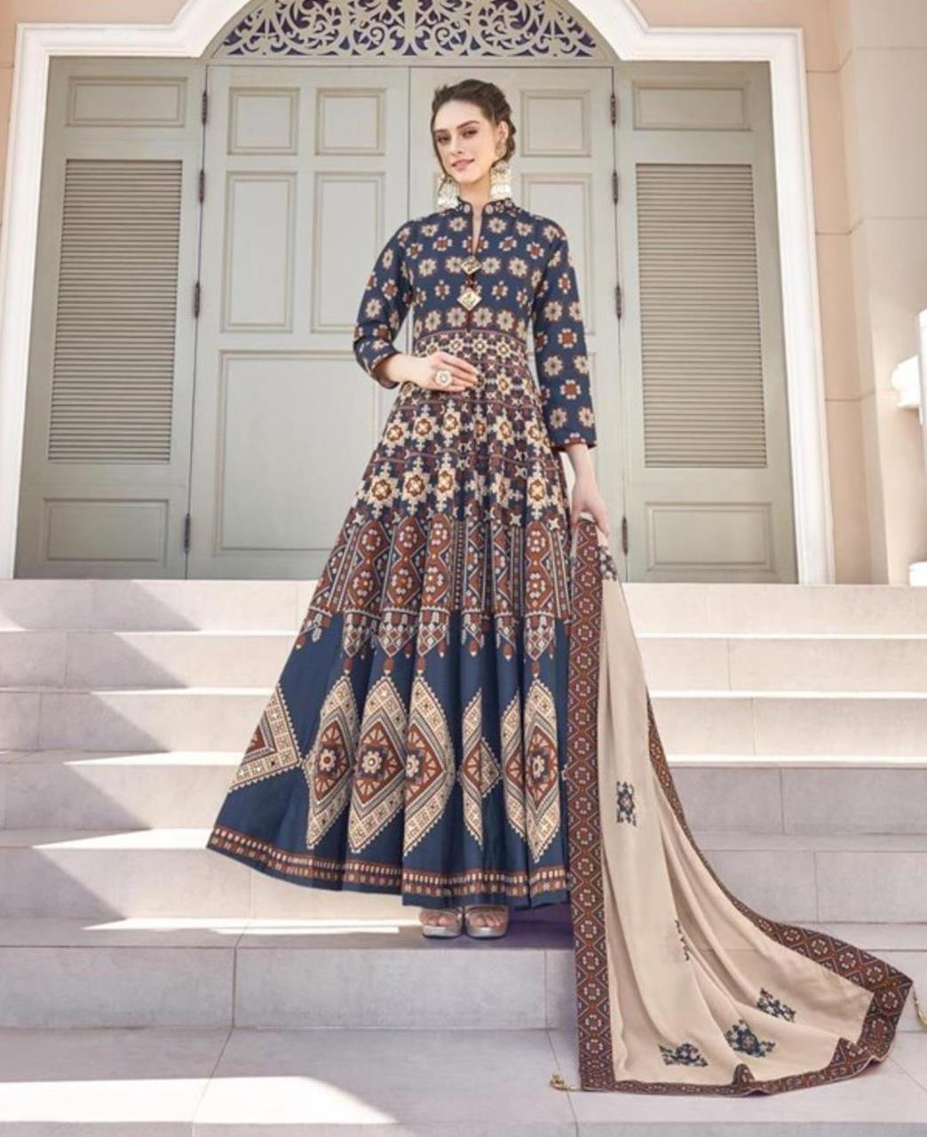 Printed Cotton Straight cut Salwar Kameez in Navy Blue