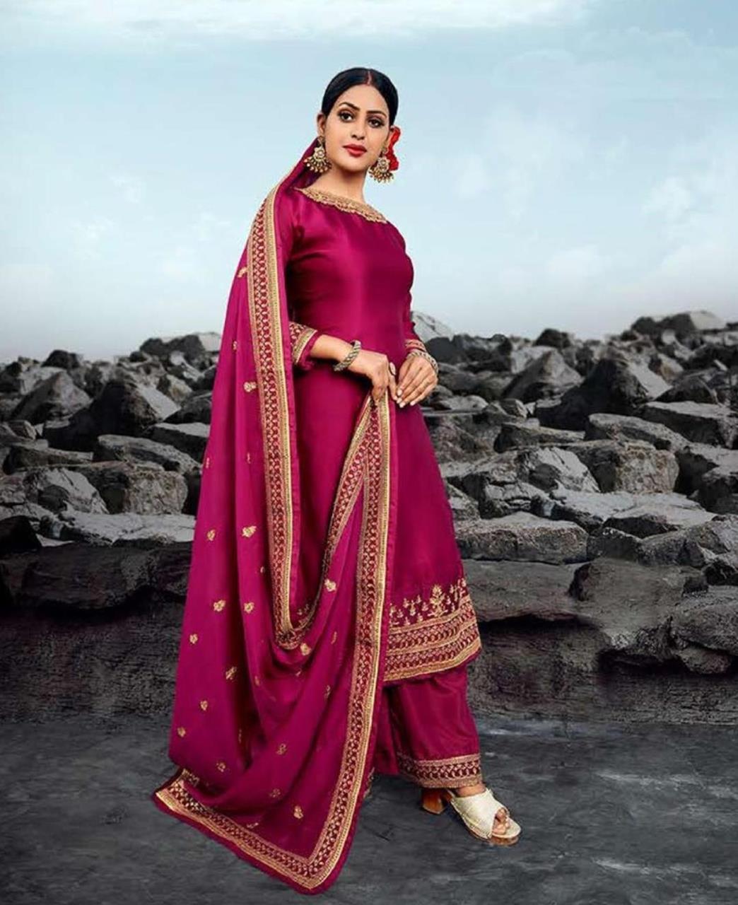 Resham Georgette Straight cut Salwar Kameez in Maroon Pink