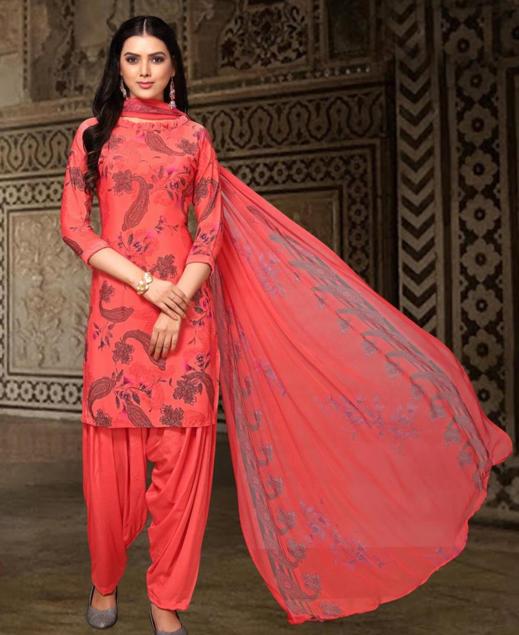 Printed Georgette Straight cut Salwar Kameez in Red