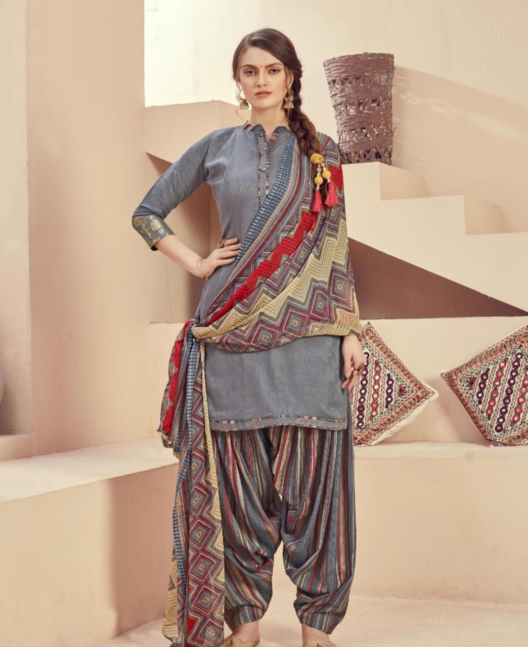 Printed Cotton Patiyala Suit Salwar in Grey