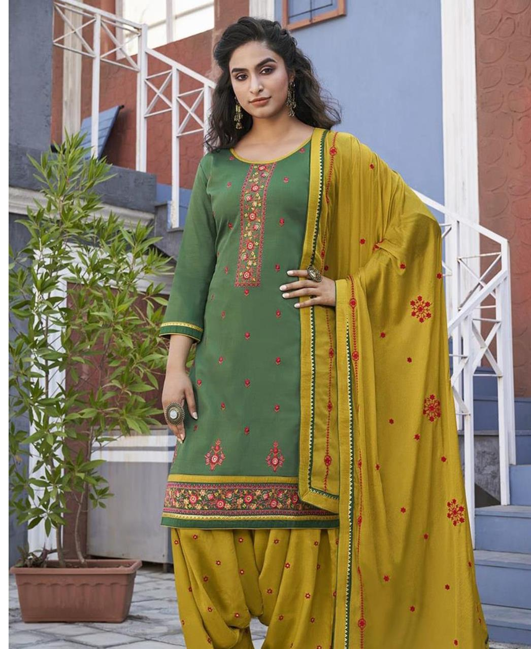 Zari Cotton Patiyala Suit Salwar in Green