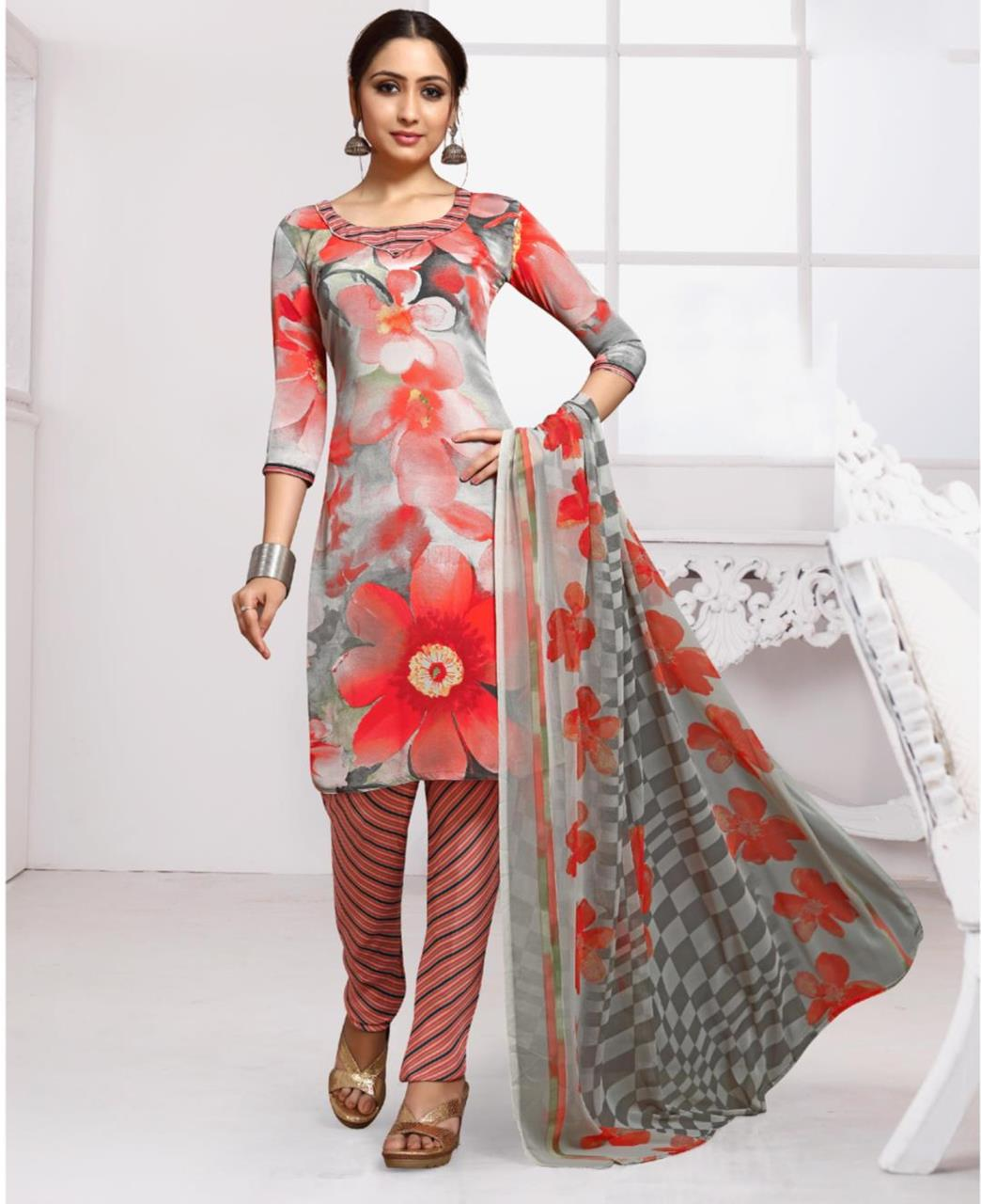 Floral Print Crepe Gray Straight Cut Salwar
