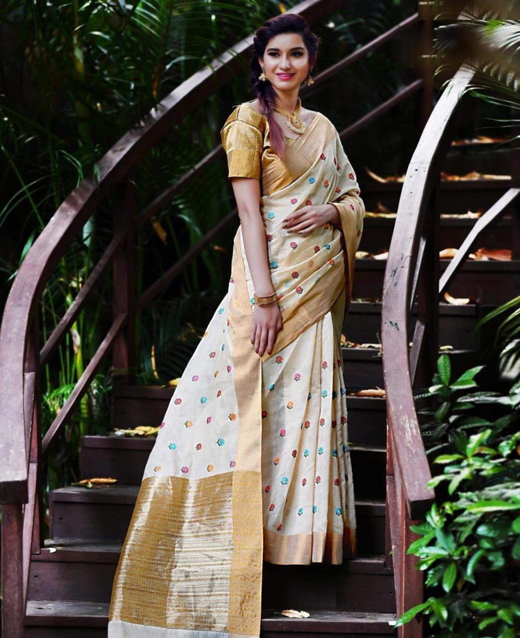 Zari Banarasi Silk Saree (Sari) in Cream