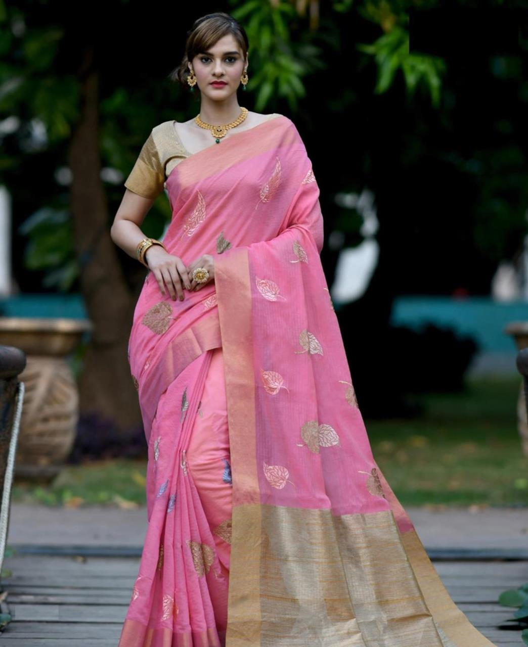 Zari Banarasi Silk Saree (Sari) in LIGHTPINK