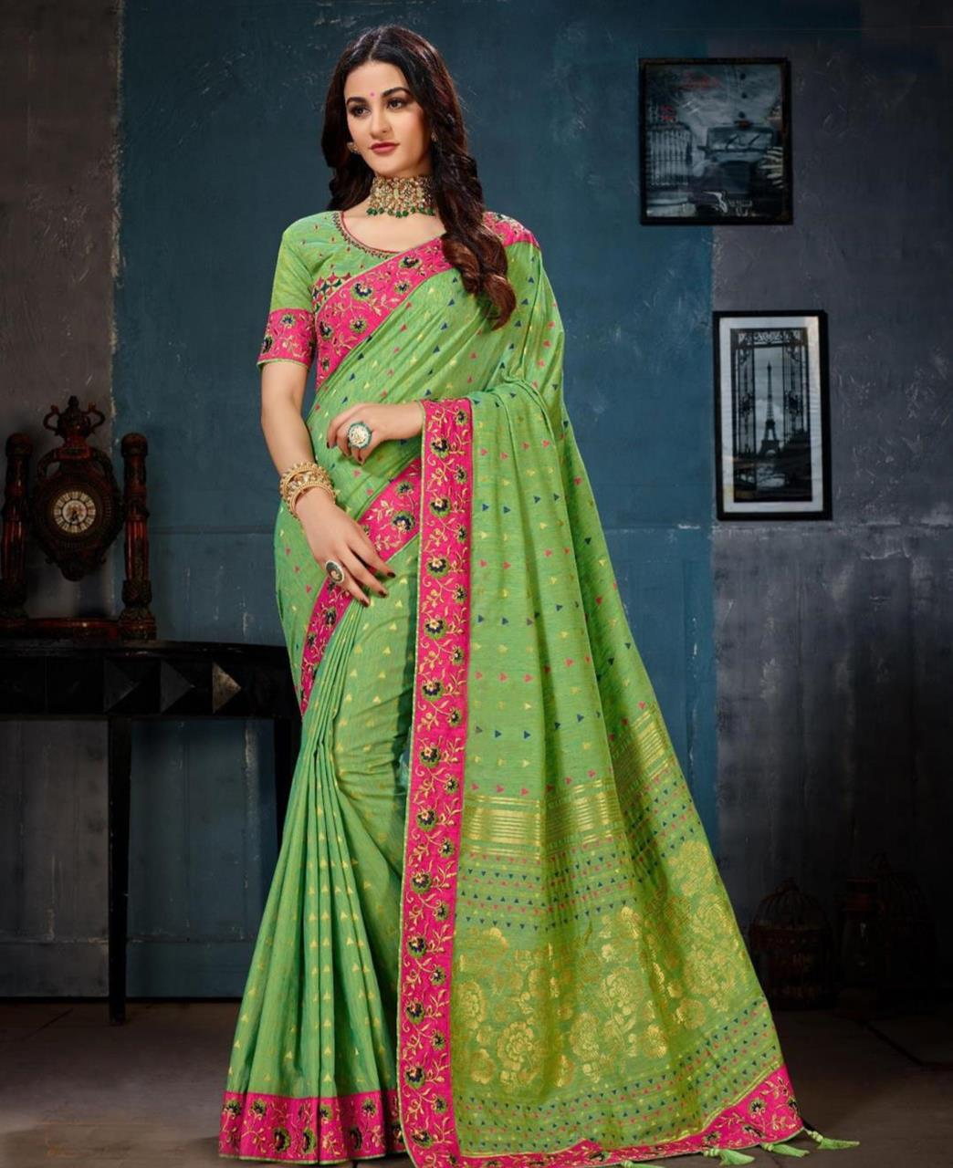 Jacquard Cotton Saree (Sari) in Green