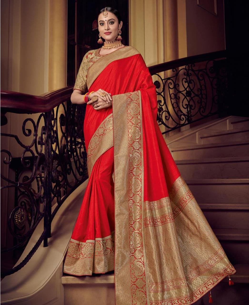 74af606800 Plain Silk Saree (Sari) in Red