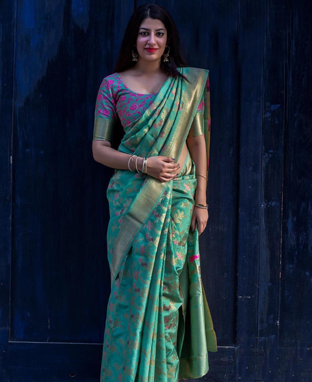 Jari Banarasi Silk Saree (Sari) in Green