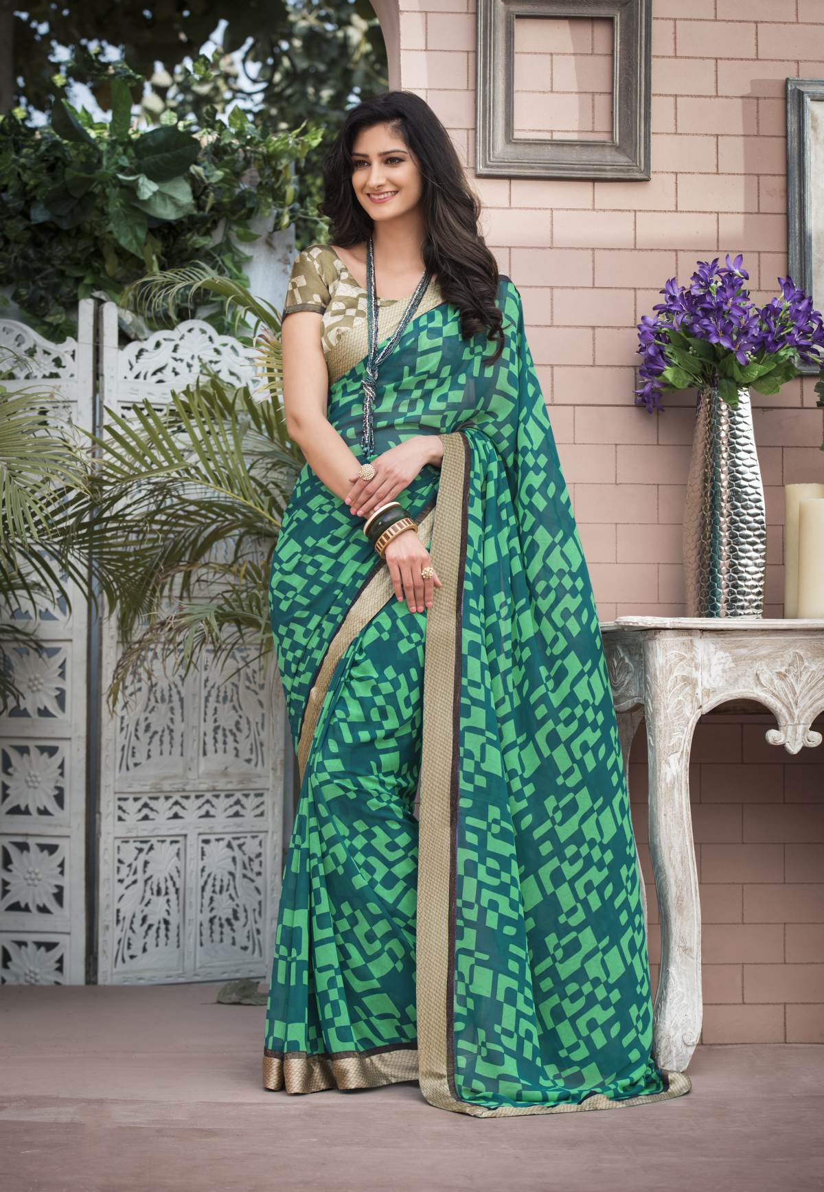 Printed Georgette Saree (Sari) in Green