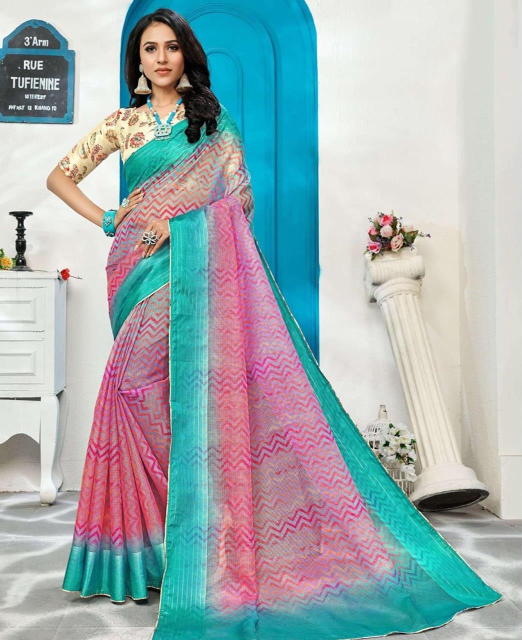 Printed Silk Saree in Pink