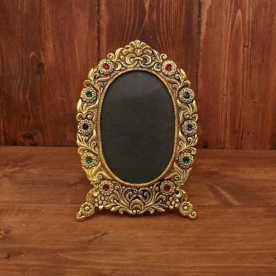 White Metal Oval Photo frame with Gold Finish return gift