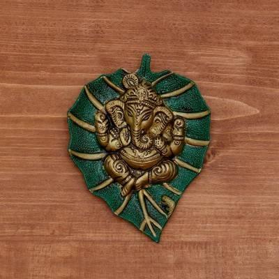 White metal green leaf ganesha hanging return gift