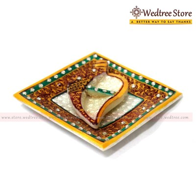 Kum Kum Holder - Kumkum has a very great role to play in Indian Hindu tradition return gift