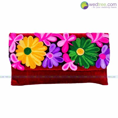 Purse - Purse made of velvette with flower embroidery return gift