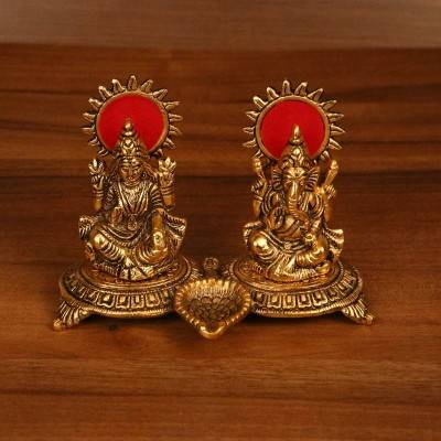 Gold Lakshmi, Ganesha with diya return gift