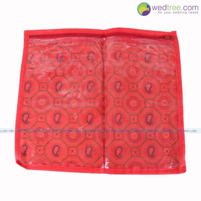 Saree Cover - Saree cover made of polythene bordered with cloth which can hold a single saree return gift