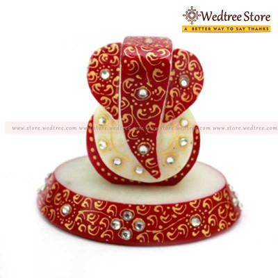 Ganesh - Ganesha----the god of beginnings  he is honoured at the start of rituals and ceremonies return gift